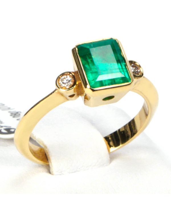 Gold Colombian Emerald Ring and Diamonds