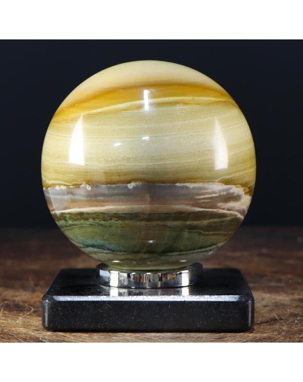 Sphere in Agate
