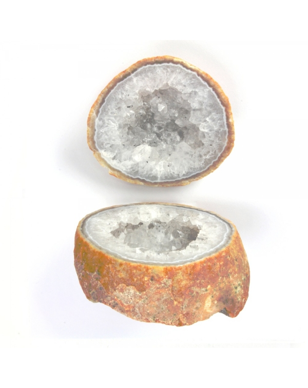 Geode of quartz with agate