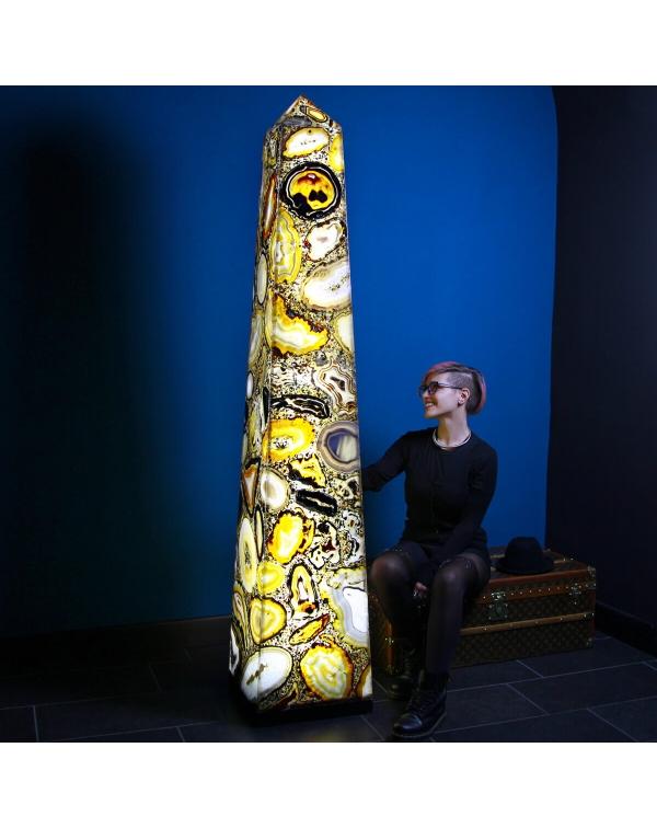 Obelisk Lamp Agate